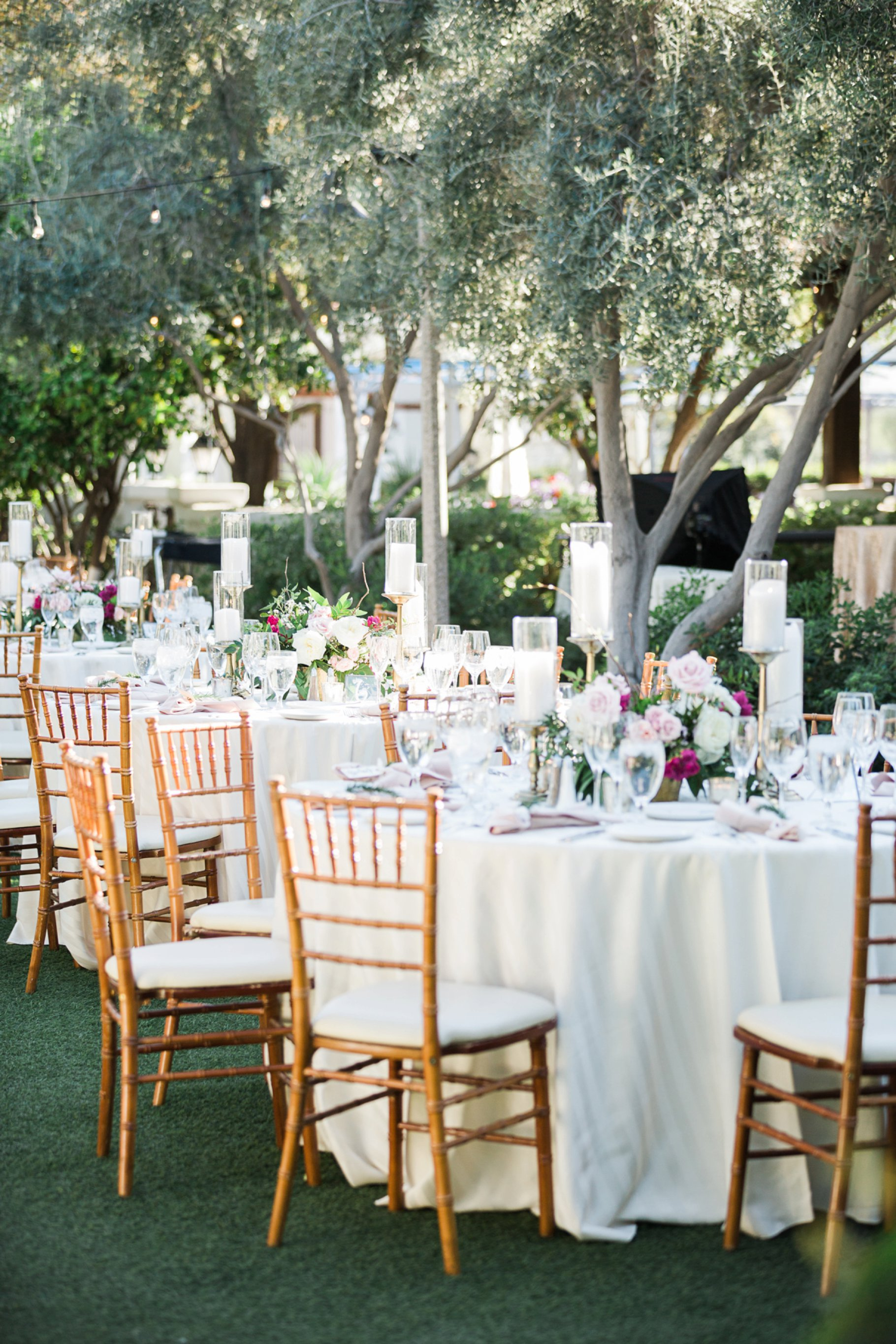 outdoor wedding reception at El Chorro