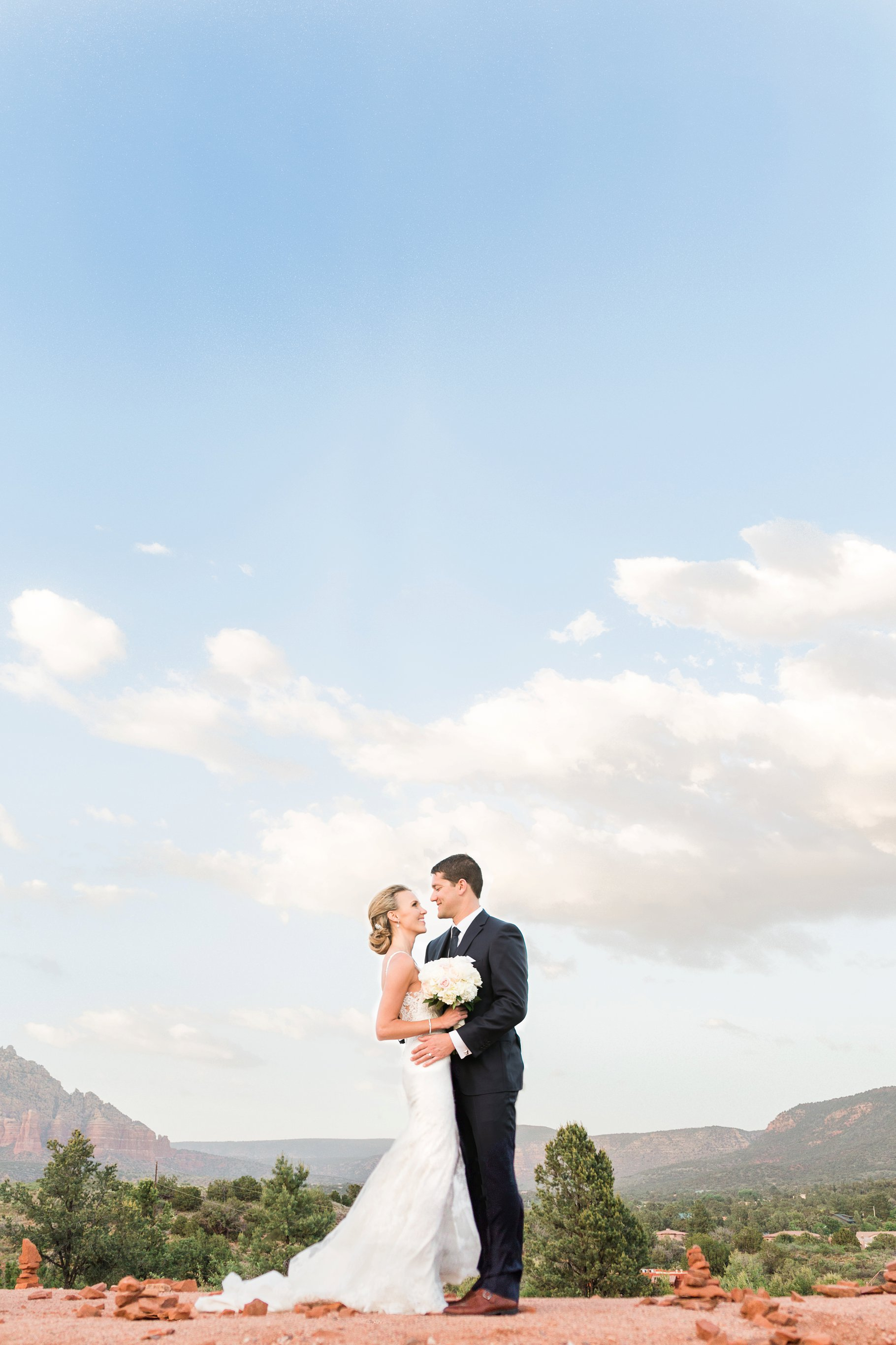sedona wedding-40_GRETCHEN WAKEMAN PHOTOGRAPHY.jpg